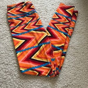 Lularoe leggings One Size. Multi color